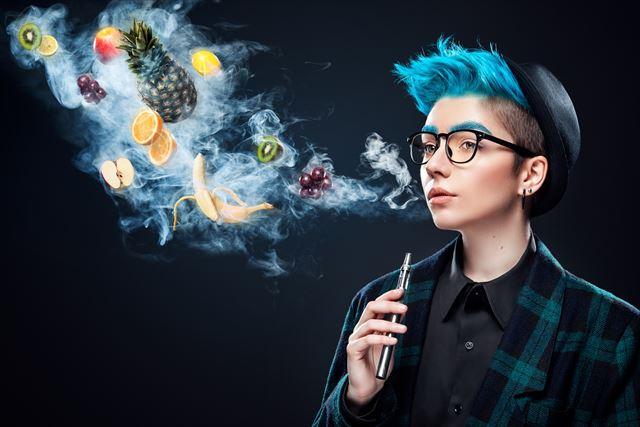 電子タバコって?初心者から禁煙目的の人にまで人気の理由